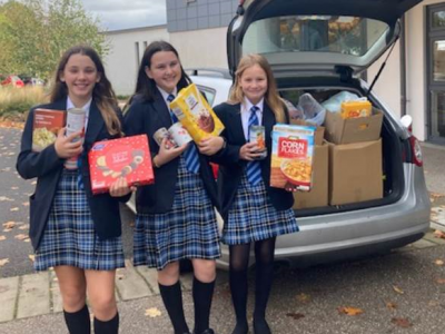 The Purbeck School community supports local foodbanks